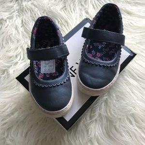 Nine West size 7 Navy Shimmer Mary Jane girl shoes